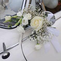 Bride's Cars : Picture Description Immagine Wedding Getaway Car, Dream Wedding, Wedding Day, Floral Wedding, Wedding Bouquets, Bridal Car, Wedding Car Decorations, Wedding Transportation, Bridal Flowers