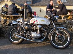 https://flic.kr/p/nuuaTw | W650 Cafe Racer | Kawasaki W650 Cafe Racer at The Carbeth Inn, Scotland.