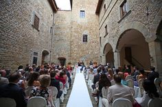 Wedding in Tuscany celebration in the courtyard italyprestige.com