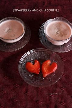 Strawberry and Chia Souffle Chia Benefits, Easy To Make Desserts, Strawberry Puree, Vegetarian Desserts, Vegan Recipes, Fresh Cream, Dry Snacks, Classic Desserts, Valentines Food