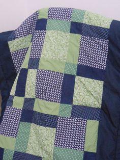 Colcha de bebê, baby quilt - MOC Patchwork http://www.elo7.com.br/colcha-de-bebe-patchwork-almofada/dp/4784FF