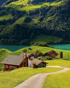 Wonderful photo by @Switzerland.