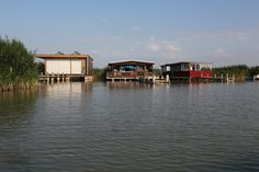 Seehütte in Rust am Neusiedlersee, Burgenland Heart Of Europe, Rust, Cabin, Mansions, House Styles, Home Decor, Stilt House, Human Settlement, Real Estates