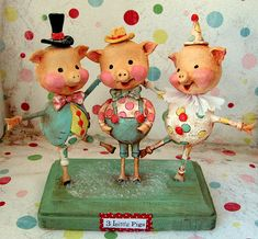 I want to learn paper clay as an art.and I love the three little pigs. Paper Clay Art, Paper Mache Clay, Paper Mache Crafts, Clay Crafts, Three Little Pigs, This Little Piggy, Clay Dolls, Art Dolls, Disney Poster