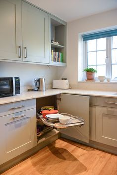 Lemans kitchen units are great for using every inch of space! Kitchen Units, New Kitchen, Kitchen Ideas, Kitchen Design, Kitchen Cabinets, Double Shower, Bespoke Kitchens, Open Plan Living, New Builds