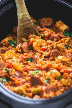 Slow Cooker Jambalaya | lecremedelacrumb.com. Made 3/7/17. Good! Only 1 jalapeño next time.