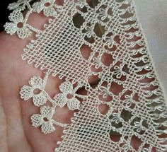 This Pin was discovered by Hul Needle Tatting, Needle Lace, Bobbin Lace, Needle And Thread, Crochet Baby, Knit Crochet, Lace Cookies, Lace Jewelry, Lace Flowers