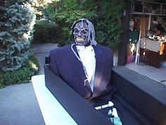 Pneumatic popup from a coffin. A great way to spook your guests.