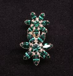 1950's-60's Emerald Green Crystal Double Flower by GwendalysaArts