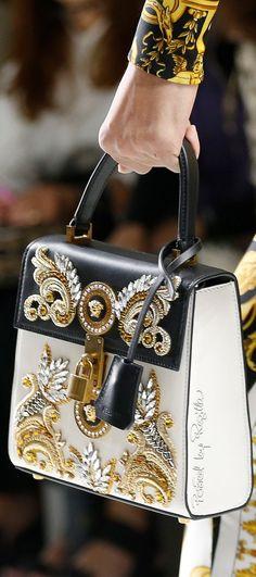 Versace Spring 2018 - http://sorihe.com/womenshandbags/2018/02/14/versace-spring-2018-2/