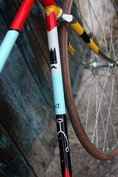 45 Photos Of Perfect Looking Fixed Gear Bikes bike, details Velo Vintage, Vintage Bikes, Bicycle Paint Job, Bike Deals, Fixed Gear Bicycle, Mountain Bike Shoes, Mountain Biking, Bike Wheel, Bike Art