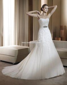 Vestido de novia Pronovias modelo Flauta disponible en la tienda de novias De Novia a Novia. San José, Costa Rica.
