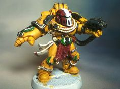 Alexis Polux Captain of the 405th Company Imperial Fists & future Chapter Master of the Crimson fists Pinned from: Figuratively Artistic on Tumblr