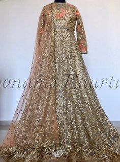 Pinterest: @pawank90 Pakistani Wedding Dresses, Punjabi Wedding, Indian Dresses, Indian Outfits, Bridal Dresses, Traditional Taste, Traditional Dresses, Wedding Hacks, Anarkali Gown