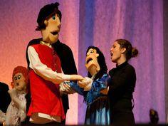 """O Núcleo Universitário de Ópera (NUO) apresenta a ópera cômica """"Os Gondoleiros"""", de William Gilbert no palco do Memorial da América Latina neste domingo, 21, às 17h, com entrada Catraca Livre."""