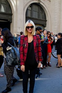 Zanna Roberts Rassi makes us want a blunt bob & plaid blazer - STAT!     #StreetStyle #NYFW #Spring2014