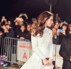 The Duchess attends The Street Cat Named Bob Premiere || 3.11.2016 Source markstewart