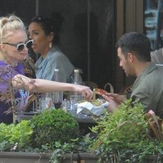 EXCLUSIVE Game of Thrones' Sophie Turner dines alfresco with boyfriend Joe Jonas