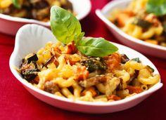 Gratin de macaronis aux légumesAjoutez des légumes de saison, selon votre goût, pour faire de ce gratin un plat complet.  Lire la recette du gratin de macaronis aux légumes