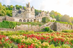 (Château d'Ussé)    (map from France Tourism)  The Loire is the longest river in France at over 1000km (600 miles) long and the stunning Loire