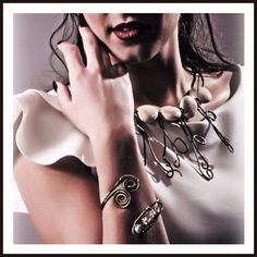 Necklace wire & stone.  www.theajewels.eu Bangles, Bracelets, Wire, Stone, Jewelry, Self, Rock, Jewlery, Jewerly