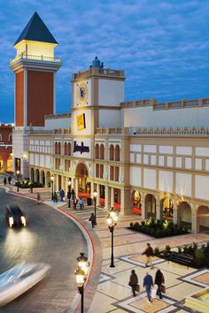 c57c29933b7 San Marcus Premium Outlets - This place is HUGE and packed full of  discounted designer duds. 3 hrs west of houston. its a great stop to make  on the way to ...
