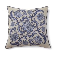 Meade Pillow