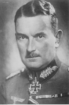 ✠ Eugen Ritter von Schobert (13 March 1883 - 12 September 1941) RK 29.06.1940 General der Infanterie K.G. VII. AK Killed Russia when his observation plane crashed in a Soviet minefield.