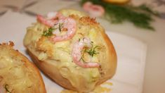 Shrimp with cheese-sauce in a baguette Sandwiches, Norwegian Food, Cheese Sauce, Recipe Images, Baguette, Coco, Food Inspiration, Baked Potato, Tapas