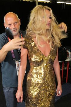 Sam McKnight and Kate Moss Olympic Closing Ceremony Backstage Photos High Fashion Models, 90s Models, Kate Moss Hair, Sam Mcknight, Moss Fashion, Kate Moss Style, Ideal Beauty, Fashion Idol, Beauty News