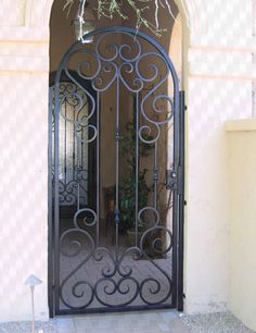 Beautiful Iron Work Iron Work In 2019 Wrought Iron Doors Iron Wrought Iron Gate Door Wrought Iron Gate Doors Wrought Iron Garden Gates, Metal Gates, Wrought Iron Doors, Iron Fence Gate, Reforma Exterior, Porch Gate, Tor Design, Iron Gate Design, Security Gates