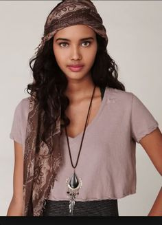 V Neck crop top from Free People. I could easily make this, but without the twisting on the hems. I have no idea how to do that. Cute Crop Tops, Floral Crop Tops, Beautiful People, Beautiful Women, Beautiful Celebrities, Mixed Models, Wattpad, Costume Design, Cool Outfits