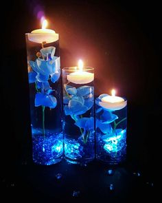 Floating Candles Wedding, Floating Candle Centerpieces, Wedding Table Centerpieces, Centerpiece Flowers, Centerpiece Ideas, Royal Blue Centerpieces, Royal Blue Wedding Decorations, Quince Decorations, Flower Decorations