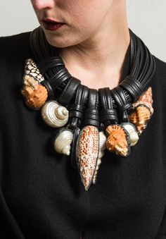 Monies UNIQUE Large Shell Necklace