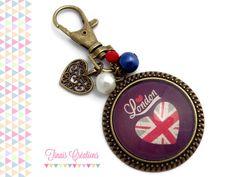 Bijou de sac / Porte clef cabochon - I LOVE LONDON - coeur breloque perles rouge blanc bleu verre londre : Porte clés par tinais-creations