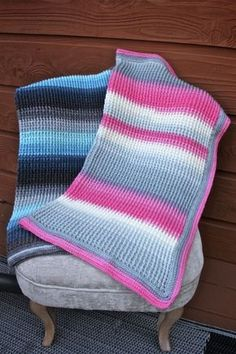 Free crochet pattern for a lovely baby blanket featuring Lion Brand Mandala yarn in lovely hues! Easy enough for a beginner!