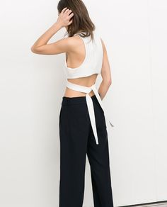 Image 3 of SHORT STUDIO TOP WITH CUT-OUT DETAILS from Zara