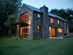 made with natures local building materials schist stone house in Central Otago. Gorgeous.