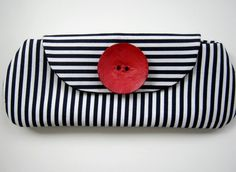 Black and White  Clutch Bag Spring Fashion by 2chicdesigns on Etsy, $25.00