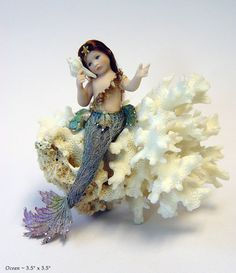 The fine art dolls of Stephanie Blythe featuring galleries of exquisite porcelain figures and miniature dolls. Mermaid Board, Baby Mermaid, Mermaid Dolls, Mermaid Kisses, Mermaid Style, Fantasy Mermaids, Mermaids And Mermen, Toy Art, Mermaid Kids Rooms