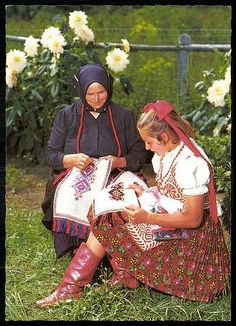 Buzsák; Népviselet   Képeslapok   Hungaricana Folk Costume, Costumes, Folk Clothing, Folk Dance, Lany, People Of The World, Hungary, Persona, Folk Art