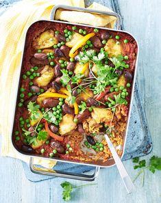 Paella uunissa – kokeile suosikkiruokaa uudella tavalla   Maku Paella, Kung Pao Chicken, Chili, Chicken Recipes, Curry, Food And Drink, Soup, Yummy Food, Beef
