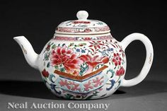 Chinese Export Famille Rose Porcelain Teapot, 18th c.,