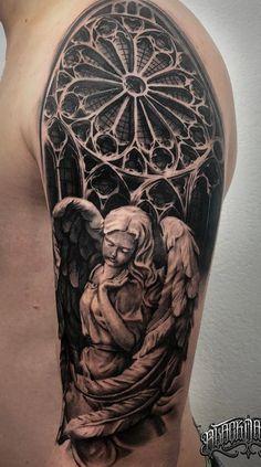 Tatuagens masculinas na parte superior do braço Angel Sleeve Tattoo, Realistic Tattoo Sleeve, Angel Tattoo Men, Sleeve Tattoos, 3d Tattoos, Black Tattoos, Body Art Tattoos, Tribal Tattoos, Tattoos For Guys