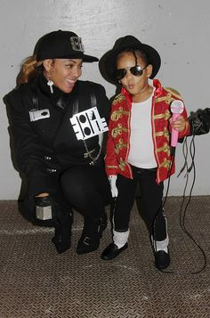 Pin for Later: 42 Times Celebrities Dressed as Other Celebrities For Halloween Beyoncé Knowles and Blue Ivy Carter as Janet and Michael Jackson in 2014