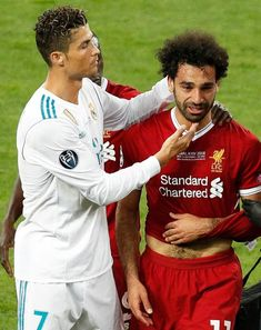 Cristiano Ronaldo shows his sympathy for Mo Salah over his injury Liverpool Fc, Salah Liverpool, Liverpool Football Club, Premier League, Muhammed Salah, Cristiano Ronaldo Portugal, Mo Salah, Lil Pump, Friendship