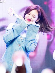 )k tatlısın. Kpop Girl Groups, Korean Girl Groups, Kpop Girls, K Pop, Twice Korean, Sana Momo, Twice Once, Nayeon Twice, Twice Kpop