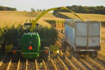 JohnDeere 7050 Series Self-Propelled Forage Harvesters Hay and Forage Equipment JohnDeere.com