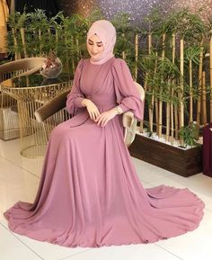 Hijab Fashion Summer, Muslim Fashion, Skirt Fashion, Fashion Outfits, Women's Fashion, Muslimah Wedding Dress, Muslim Wedding Dresses, Dress Wedding, Hijab Dress Party