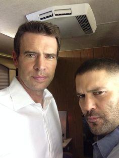 Scott Foley (Jake Ballard) and Guillermo Díaz (Huck) on the set of Scandal. Scandal Tv Series, Scandal Abc, Scandal Quotes, Glee Quotes, Jake Ballard, Scott Foley, Arrow Tv, Olivia Pope, Le Male